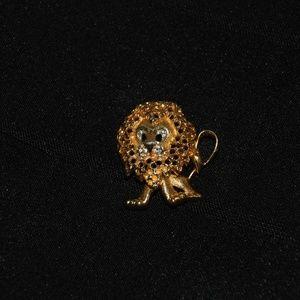 Jomaz Lion Pin Gold Tone